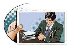 Сердитый бизнесмен стучает на таблице с его запасом кулака Стоковое Изображение RF