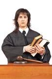 сердитый женский судья стоковое изображение