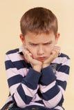 сердитый мальчик обиденное немногая Стоковое фото RF