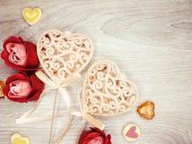 Сердца и розовый день ` s валентинки поздравительной открытки цветков любят holid Стоковое Изображение