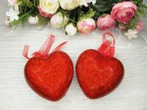 Сердца и розовый день ` s валентинки поздравительной открытки цветков любят holid Стоковые Изображения
