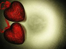 Сердца концепции праздника влюбленности дня ` s валентинки на сияющем backgr золота Стоковые Изображения RF