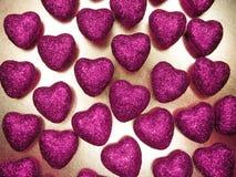 Сердца концепции праздника влюбленности дня ` s валентинки на сияющем backgr золота Стоковые Фотографии RF