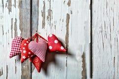 Сердца на деревянной предпосылке символ дня любовников Стоковые Фотографии RF
