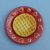 сердца покрывают красный waffle Стоковые Изображения RF