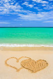 сердца соединенные пляжем рисуя Стоковые Фото