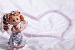 Сердце ангела влюбленности и счастья на St Valentine& x27; день s Стоковое фото RF