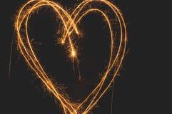 Сердце бенгальского огня стоковая фотография rf