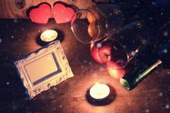 Сердце валентинки свечи вина Стоковые Изображения RF