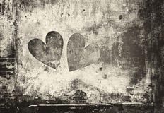 Сердце граффити на стене в стиле grunge стоковое изображение