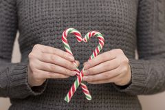 Сердце сделанное из тросточки конфеты Стоковые Фото