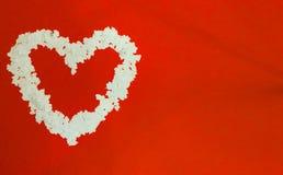 Сердце сделанное от confetti белой бумаги Стоковые Фотографии RF