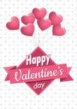 Сердце сформировало розовые воздушные шары держа квадратный знак с розовой лентой с днем ` s валентинки сообщения счастливым на б Стоковое фото RF