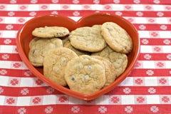 сердце тарелки печенья сформировало Стоковые Фотографии RF