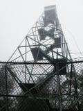 Серебряная башня огня заводи стоковое изображение rf