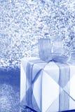 Серебряная голубая подарочная коробка - фото запаса Стоковые Изображения
