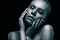 Серебряная девушка Стоковое Фото