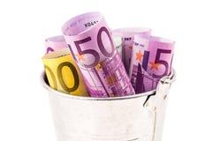 Серебряная корзина вполне больших банкнот евро Стоковые Изображения RF