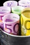 Серебряная корзина вполне больших банкнот евро Стоковая Фотография
