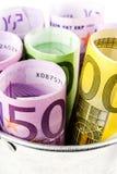 Серебряная корзина вполне больших банкнот евро Стоковое Изображение