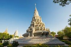 Серебряная пагода/королевский дворец, Пномпень, Камбоджа стоковая фотография