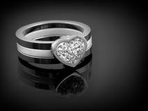 Серебряное кольцо дам Стоковая Фотография RF