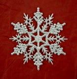 Серебряное украшение снежинки яркого блеска Стоковое Изображение