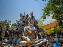 Серебряное Buddhas в Wat Sri Suphan, буддийском виске Чиангмае, Th стоковые фото