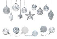 Серебряные безделушки Нового Года рождества для орнаментов рождественской елки Стоковые Изображения RF