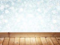 Серебряные и белые света Bokeh и деревянная картина пола Стоковое Изображение RF