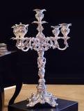 Серебряные канделябры стоковое фото
