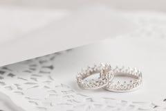 Серебряные обручальные кольца Стоковые Изображения RF