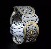 серебряные bangles и Gents Kade & x28; Диапазон руки & x29; Стоковое Изображение RF