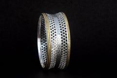 Серебряные bangles и kada Gents & x28; Диапазон & x29; Стоковое фото RF