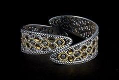 Серебряные bangles и kada Gents & x28; Диапазон & x29; Стоковые Фото