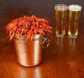 Серебряный кабель вполне кипеть crayfishes Стоковое Фото