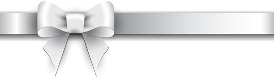 Серебряный смычок на белой предпосылке Стоковое Изображение
