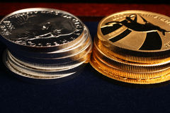 серебр золота монеток Стоковые Изображения RF