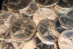 серебр монеток предпосылки стоковое фото rf