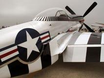 серебр мустанга p51 самолет-истребителя стоковые фотографии rf