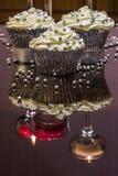 серебр пирожнй декоративный брызгает белизну Стоковое фото RF