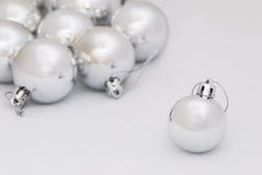 серебр рождества baubles Стоковые Изображения