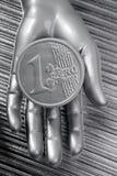 серебр футуристической руки евро монетки металлический Стоковые Изображения