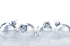 серебр шариков изолированный рождеством Стоковое Изображение RF