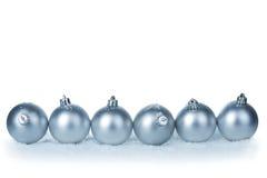 серебр шариков изолированный рождеством Стоковые Изображения