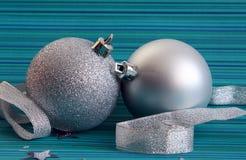 серебр 2 рождества шариков Стоковая Фотография