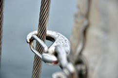 Сережка на яхте с падениями росы Стоковые Изображения