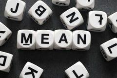 Середина слова на кубах игрушки стоковые фото