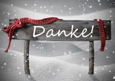 Середина Danke знака рождества спасибо, снег, лента, снежинки Стоковые Фотографии RF