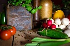 Серии здоровых овощей на деревянном столе стоковое изображение
